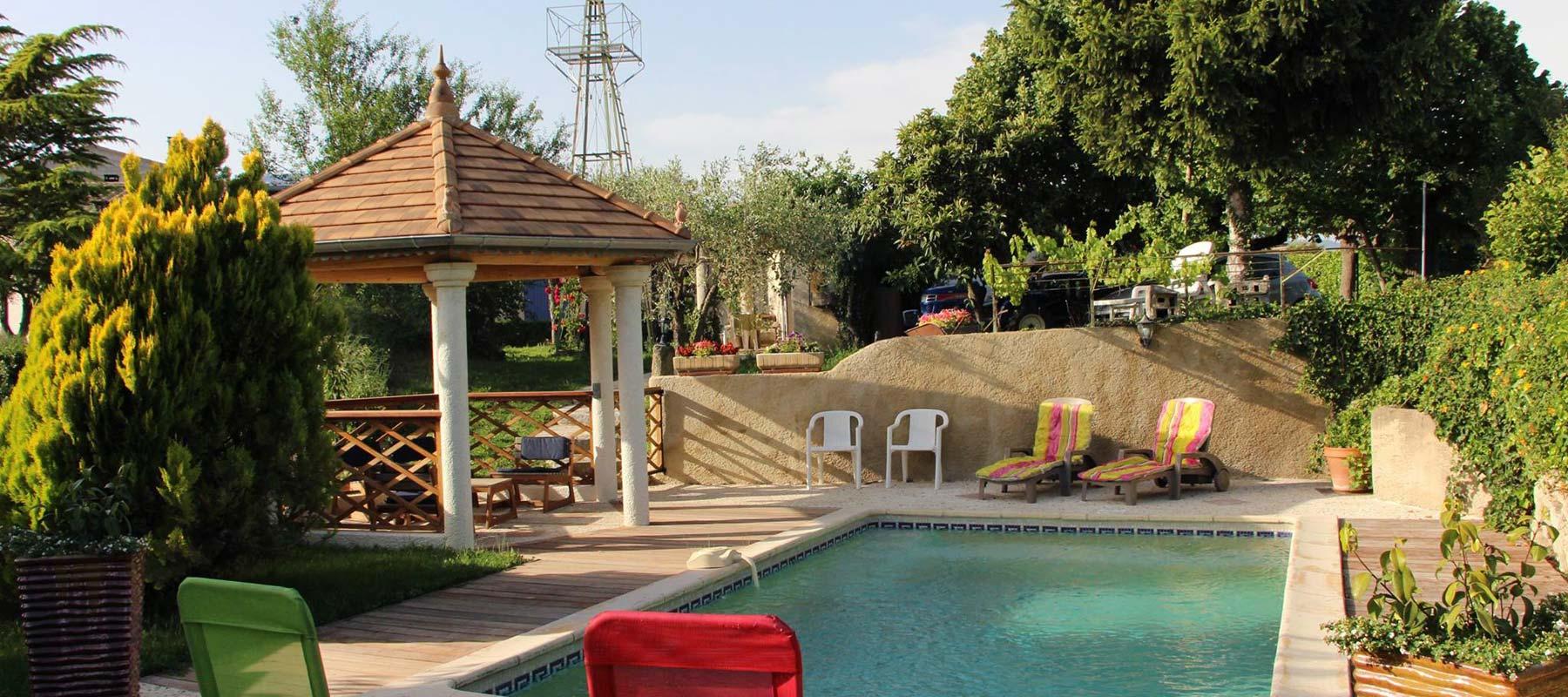 Chambres d 39 h tes et studio vaison la romaine piscine for Chambre d hote vaison